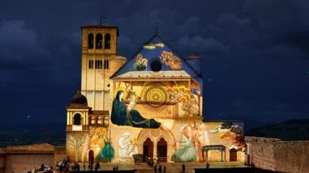 Il magico Natale di Assisi, la città diventa un presepe: videoproiezioni sulla facciata della basilica