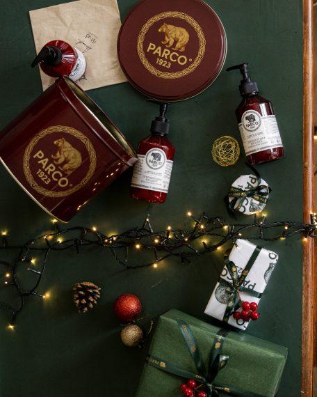Un Natale dal tocco raffinato e Made in Italy con PARCO1923, il profumo che affonda le radici nelle piante che crescono nei boschi secolari del Parco Nazionale d'Abruzzo. Come sorpresa sotto l'albero per 2020 il brand presenta l'esclusiva Christmas Box dedicata alla Linea Corpo Scarpetta di Venere