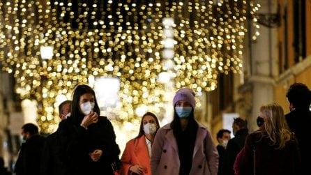 La folla in via del Corso oggi, 5 dicembre