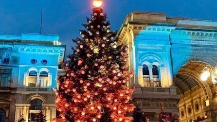 Milano, le luminarie di Natale fotografate dai nostri lettori