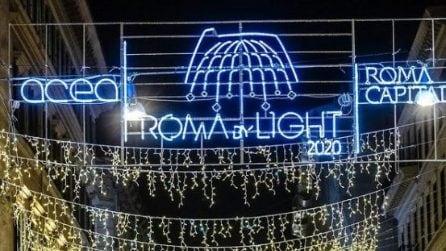 Roma, l'illuminazione di Natale a via del Corso