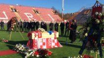 Paolo Rossi, l'omaggio di Perugia: la bara allo stadio Curi