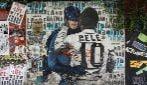 Il bacio di Pelè ai più grandi, per festeggiare gli 80 anni del grande campione brasiliano