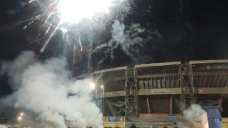 Capodanno 2021 a Napoli, sparati i primi botti in città davanti allo Stadio Maradona