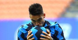 L'Inter gioca a tennis con il Crotone (6-2), tripletta di Lautaro