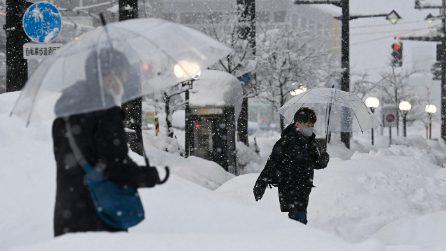 Bufera di neve in Giappone: diverse città coperte da metri di neve