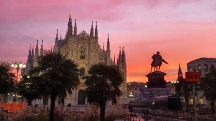 Alba romantica a Milano: la città si sveglia con il cielo dipinto di rosa