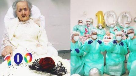 Guarisce dal covid e compie 100 anni indossando l'abito da sposa