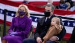 Jill Biden, il look viola alla vigilia dell'Inauguration Day
