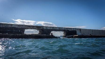 Crolla la diga foranea Duca d'Aosta dei Savoia di Vigliena a Napoli Est