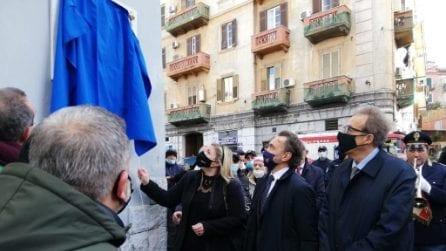 Una targa per Lino Apicella, il poliziotto ucciso a Napoli