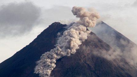 Indonesia, eruzione del vulcano Merapi