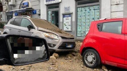 Maltempo Napoli, 3 feriti da crolli di calcinacci nel weekend. Voragine al Museo, danni a Gesù Nuovo