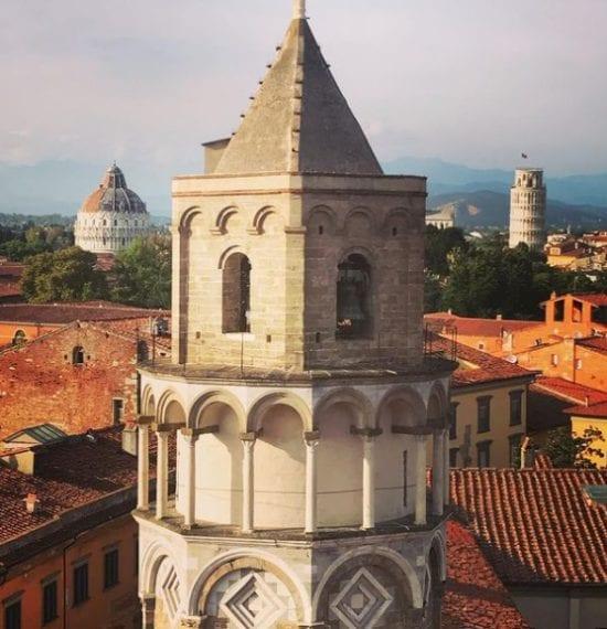 La prima è il campanile della chiesa di San Nicola
