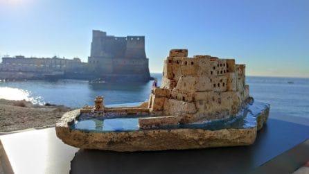 Castel dell'Ovo in tufo, un bellissimo presepe sul lungomare