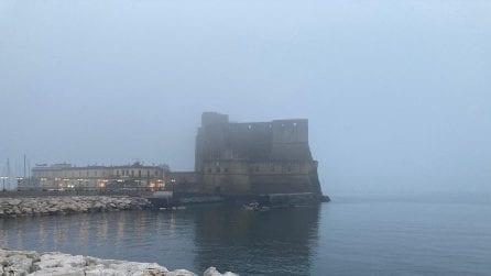 Napoli stamattina è sommersa dalla nebbia