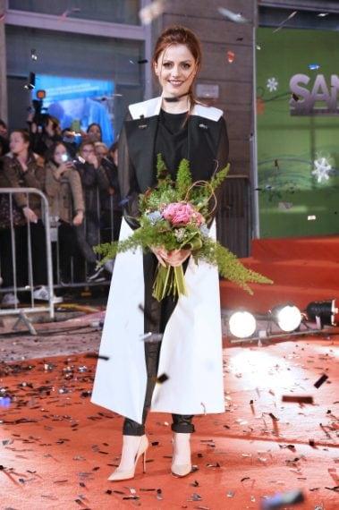 Un look più sofisticato: cappotto bicolor e tacchi a spillo