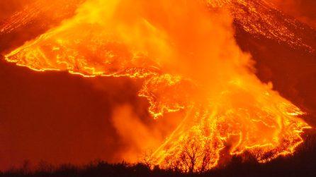 Le Immagini spettacolari dell'eruzione dell'Etna