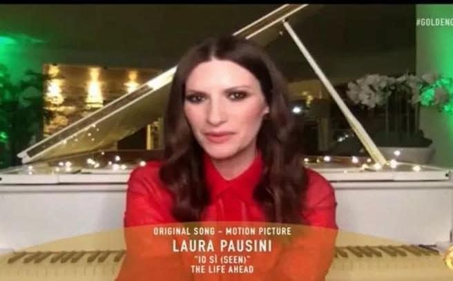 Laura Pausini premiata per la miglior canzone Io sì (Seen)