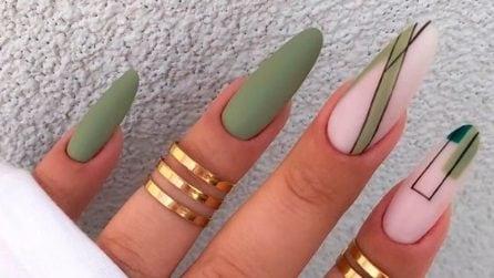 Pistachio nails