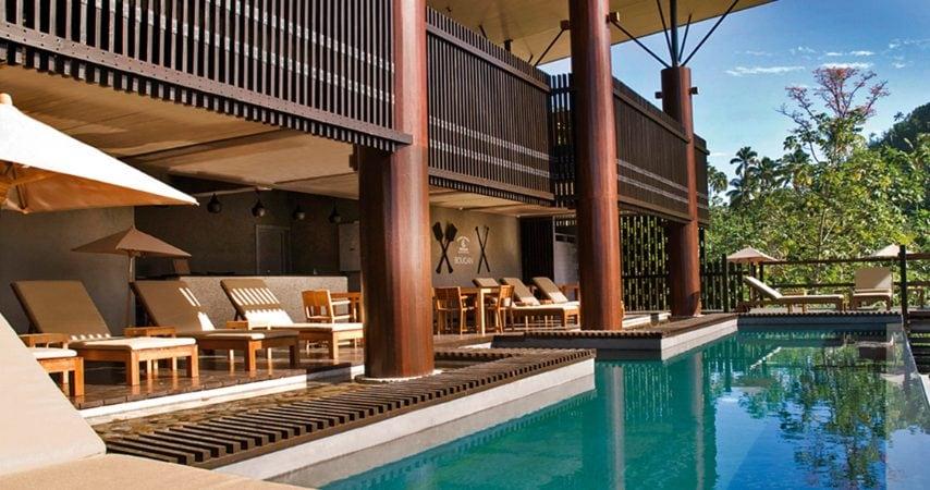 Nutriti da erbe e frutti coltivati nella tenuta e dall'esclusiva cucina a base di cacao dell'hotel, gli ospiti possono ammirare la vista dei due vulcani gemelli di Soufrière Bay, i lussureggianti paesaggi verdi e l'immediata vicinanza alla fauna locale.