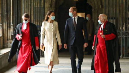 """Kate Middleton, la visita a Westminster è con il look """"da sposa"""""""