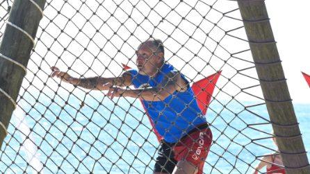 L'incidente di Paul Gascoigne all'Isola dei Famosi 2021, il dolore al braccio dopo la prova