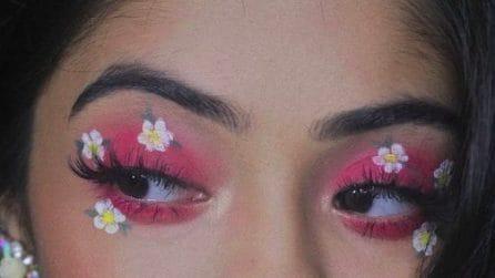 Eye-liner floreale, il beauty trend della primavera 2021
