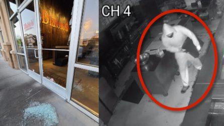 Ladro gli rapina il ristorante, il proprietario gli offre un lavoro