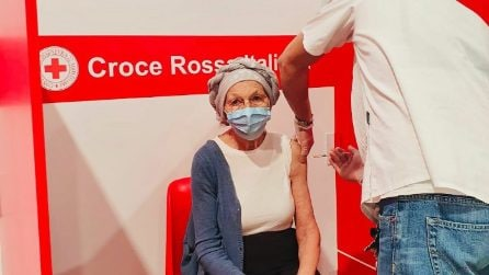 Covid, Emma Bonino vaccinata con AstraZeneca