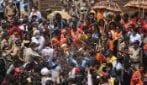 Kumbh Mela: Il bagno reale Indù sulle rive dei fiumi sacri