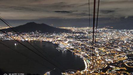 Lo spettacolo di Napoli dalla funivia sul Faito