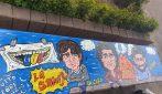 La storia di Troisi e della Smorfia dipinta sulle panchine di San Giorgio a Cremano