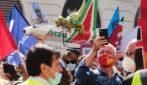 Roma, lavoratori Alitalia tornano in piazza