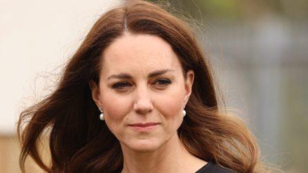 Il primo impegno ufficiale di Kate Middleton dopo la morte di Filippo è col cappotto riciclato