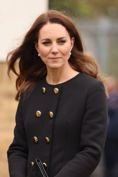 La duchessa indossa un cappotto Dolce&Gabbana riciclato