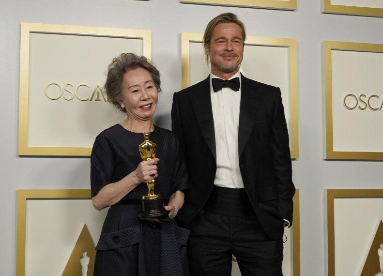 Youn Yuh Jung e Brad Pitt