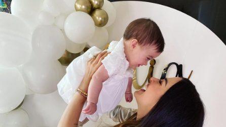Giorgia Palmas veste in coordinato con la figlia Mia per il battesimo