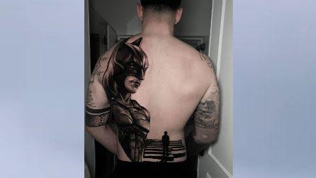 Batman sulla schiena: il mega tatuaggio del calciatore del Napoli