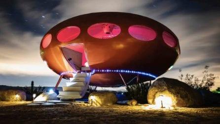 Ecco che ci fa un disco volante nel deserto di Joshua Tree in California