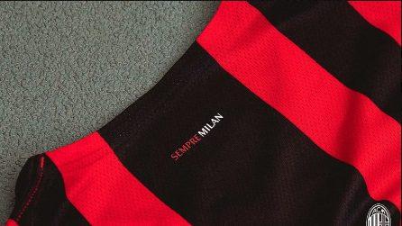 La nuova maglia ufficiale del Milan stagione 2021 - 2022