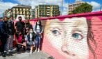 Inaugurato il murale per Noemi, la bimba ferita durante un agguato a piazza Nazionale