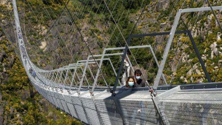 Portogallo, completato il nuovo ponte pedonale sospeso più lungo del mondo