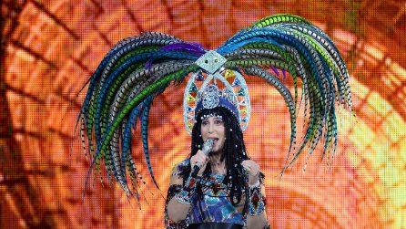 La trasformazione di Cher dagli anni Sessanta a oggi