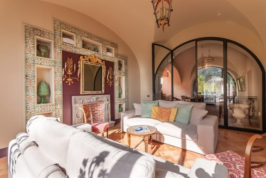 Si trova a Venezia e può accogliere fino a cinque ospiti. Link all'alloggio: www.airbnb.com/rooms/7286111