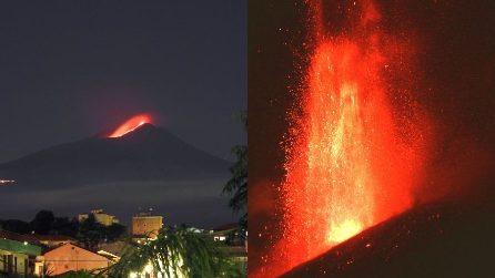 L'Etna si risveglia ancora: fontana di lava raggiunge i 7 km di altezza