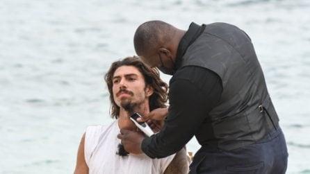 Ignazio Moser rasa a zero barba e capelli a L'isola dei famosi