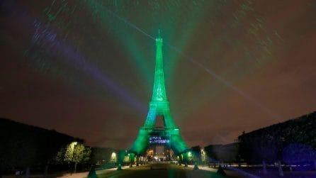 Parigi, la Tour Eiffel illuminata con elettricità rinnovabile certificata ad idrogeno