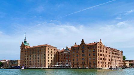 Da vecchio mulino di Venezia a uno degli edifici più iconici e di lusso della città