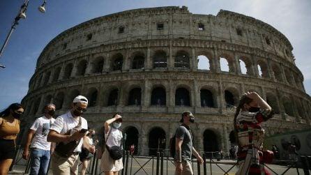 Roma, turisti ritornano ad affollare le vie del centro